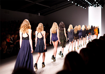 race to take the fashion lead thumb