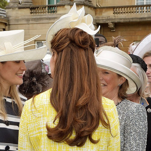 Best Mother of the Bride Hairstyles (Wearing a Hat or Fascinator) 49786ea24bc