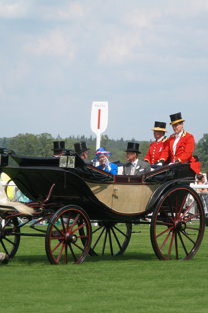 Queen & Prince Phillip in horse drawn carriage