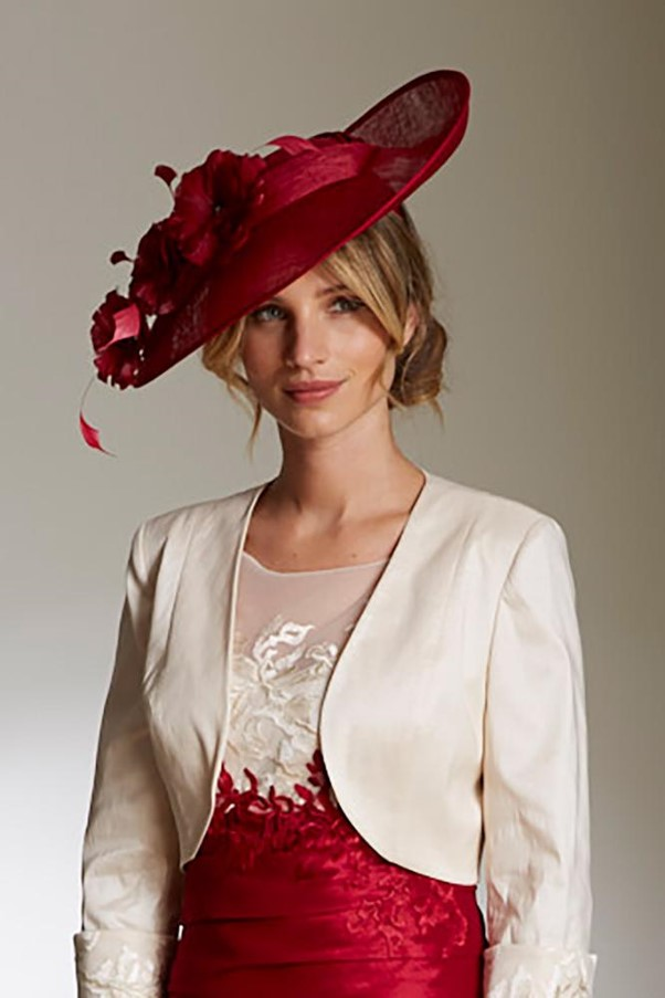history of dresses at races 04 teardrop hat