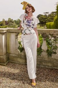 How to Dress for a Garden Party
